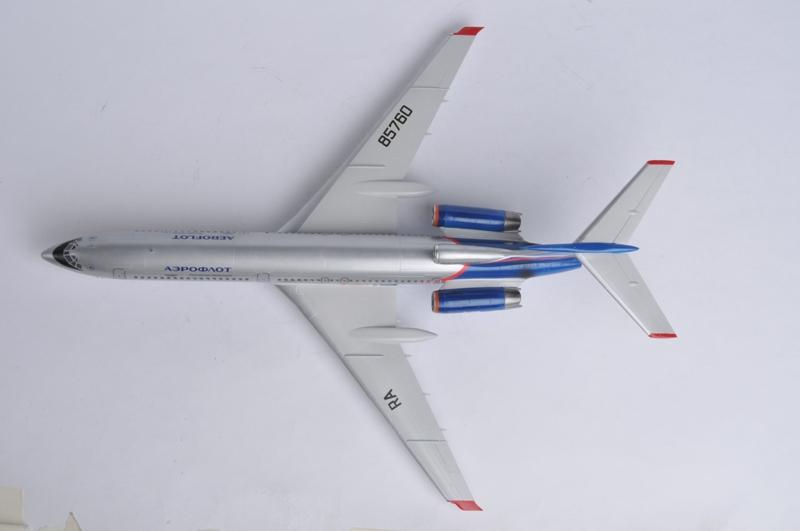 авиалайнер ТУ-154М.