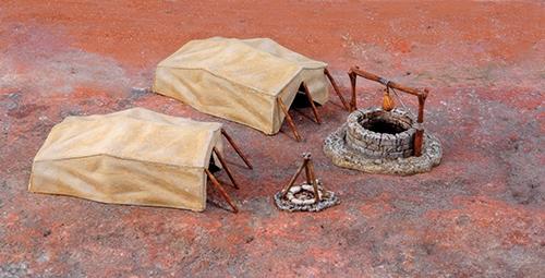 Колодец в пустыне и палатки