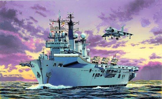 Сборная модель Корабль Иллюстриос