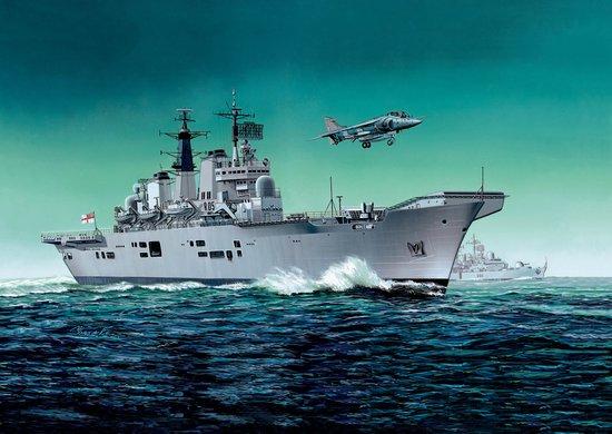 Сборная модель Корабль H.M.S. Sheffield Type 42 Destroyer Batch
