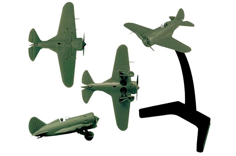 Советский истребитель И-16.