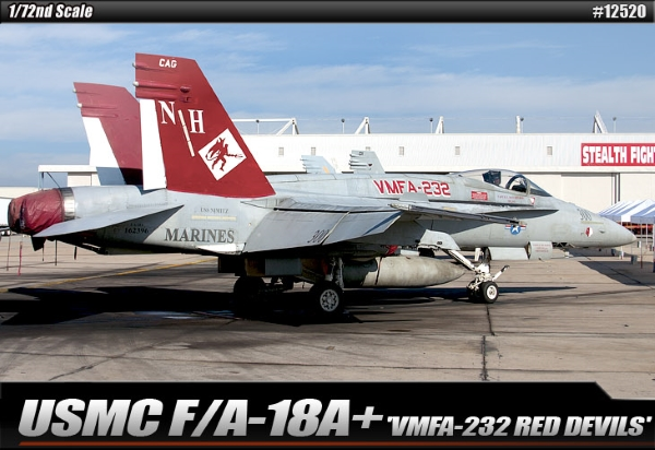 Самолет USMC F/A 18A+ VMFA-232