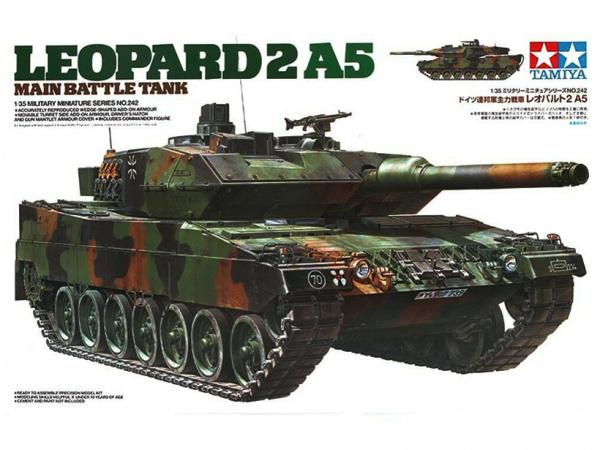 Модель Немецкий основной боевой танк Leopard 2A5 мод.1993 г. с фигу