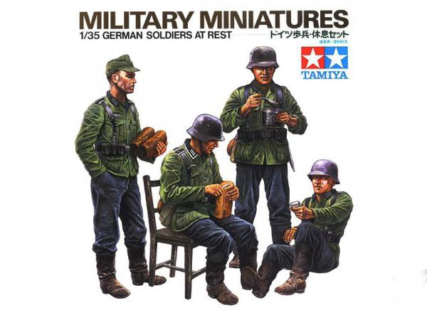 Модель Немецкие солдаты на отдыхе, четыре фигуры (1:35)