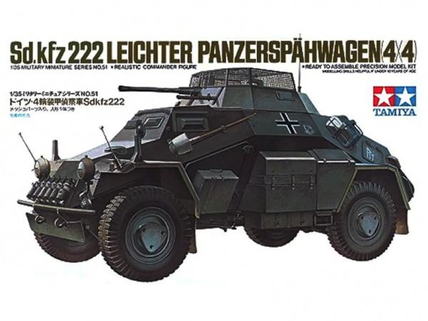 Модель Немецкий легкий бронеавтомобиль Sd.kfz 222 с 1 фигурой (1:35