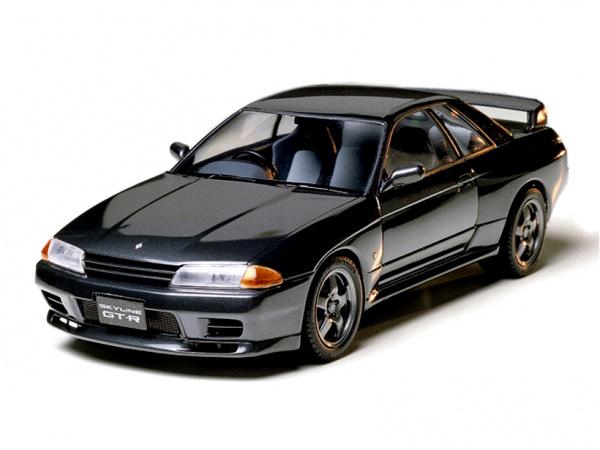 Модель - Nissan Skyline GT-R (1:24).