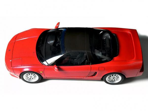 Модель - Honda NSX (1:24).