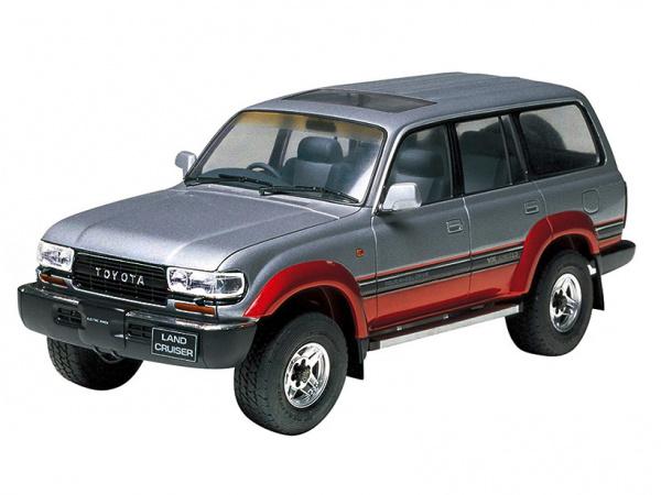 Модель - Toyota Land Cruiser 80 VX Limited (1:24).