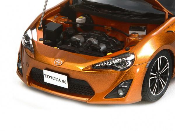 Модель - Toyota 86 (1:24).