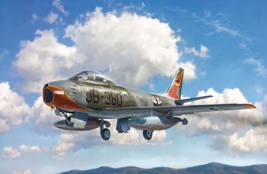 Модель американский реактивный F-86E Sabre  (1:48)истребитель
